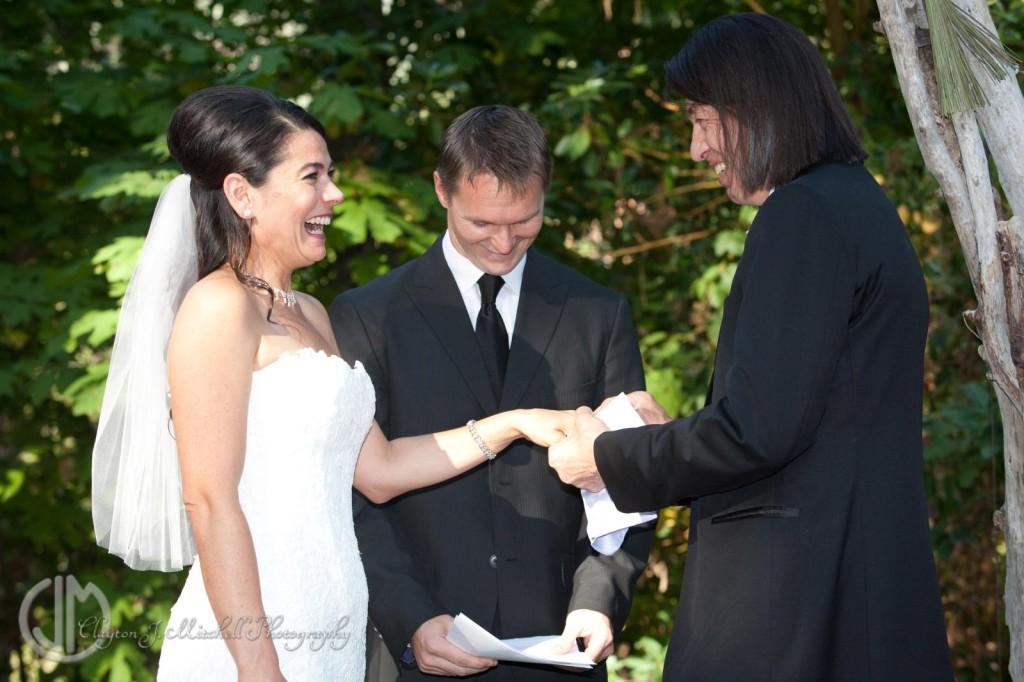Exchanging rings wedding photo